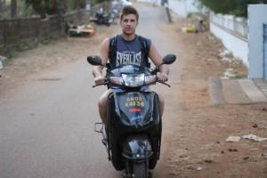 scooter goa sundayfundayz